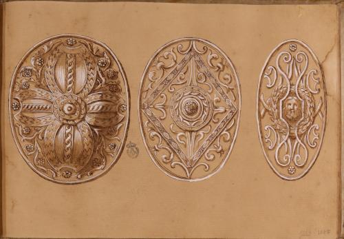Estudio de tres escudos ovalados, dos cetratus y un clipeus, romanos
