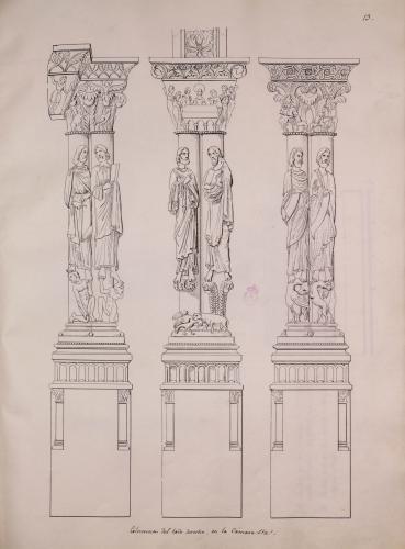 Columnas románicas con esculturas de apóstoles del lateral derecho de la nave de la Cámara santa de la catedral de Oviedo