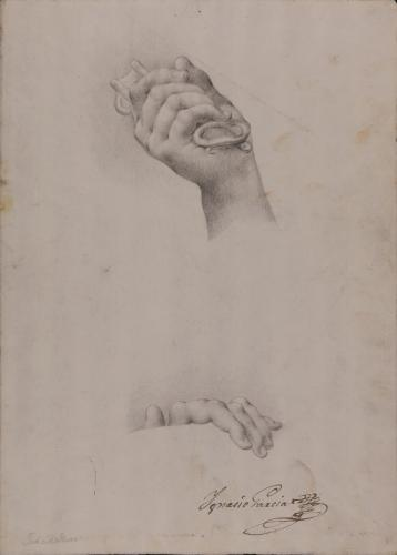 Estudio de mano con llave y de dedos de mano izquierda