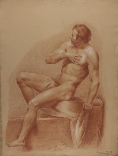 Estudio de modelo masculino desnudo sentado de perfil apoyado en el brazo y izquierdo y con la mano derecha en el pecho