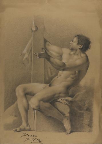 Estudio de modelo masculino desnudo sentado de perfil agarrado con la mano derecha a una tabla de madera