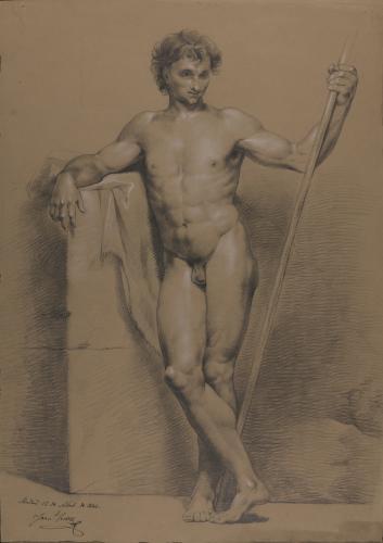 Estudio de modelo masculino desnudo de pie con una larga vara en la mano izquierda y apoyado sobre un muro