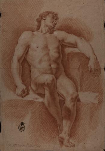 Estudio de modelo masculino desnudo sentado de frente con la cabeza inclinada hacia la izquierda