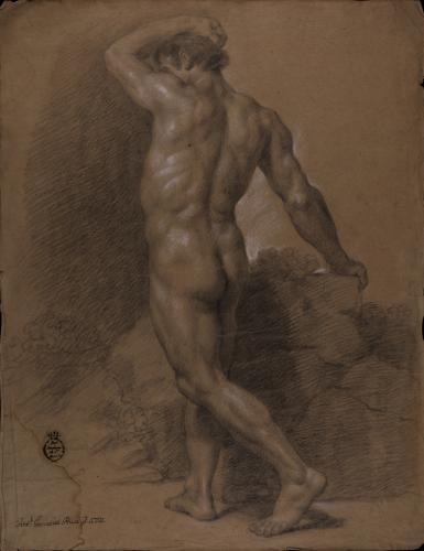Estudio de modelo masculino desnudo de perfil de espaldas con el brazo izquierdo sobre la cabeza
