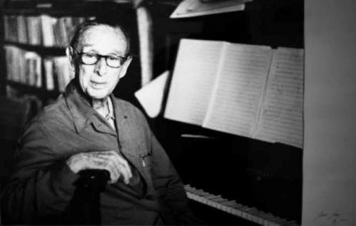 Suite de pequeñas piezas para piano = suite de petites pièces pour piano / Oscar Esplá.